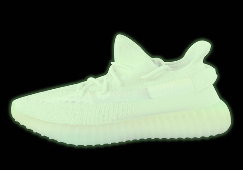 "165ecf309aa adidas Yeezy Boost 350 v2 ""Glow in The Dark"" Release Date  Spring"