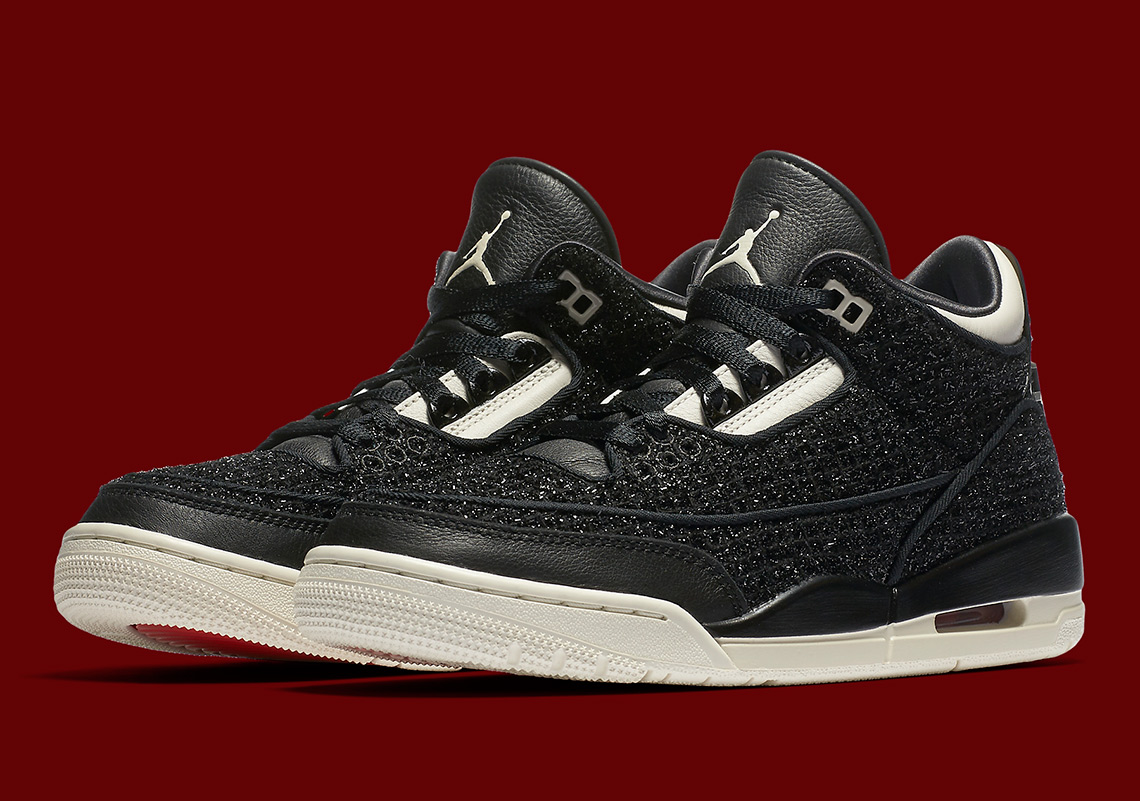 "90b79fc9a17 Official Images Of The Vogue x Air Jordan 3 ""AWOK"""