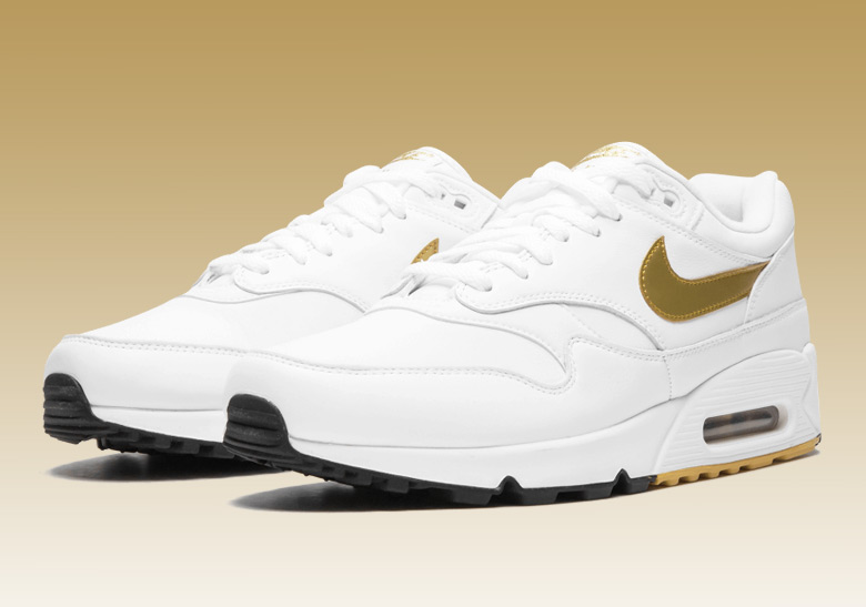 b0a9e6e778d70 Nike Air Max 90 1 AJ7695-102 Metallic Gold Buy Now