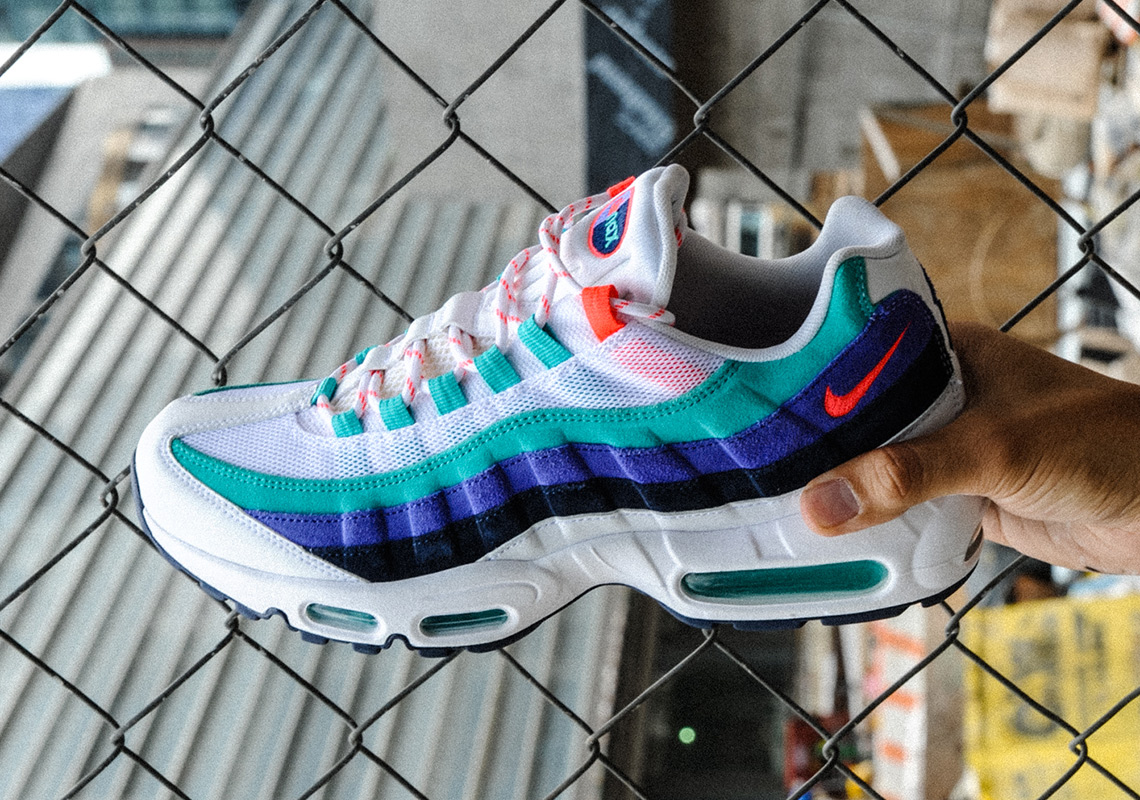 new style 922af 90e7f Nike Air Max Discover Your Air Pack Release Date ...