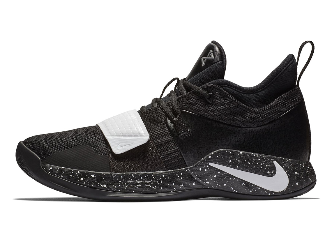 c96c03b17bc5 The Nike PG 2.5 Arrives In Four Clean Team Colorways