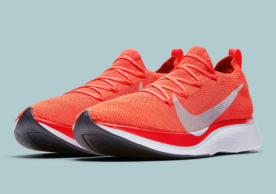 wholesale dealer c1116 9018e Detailed Look At The Nike Vaporfly 4% Flyknit
