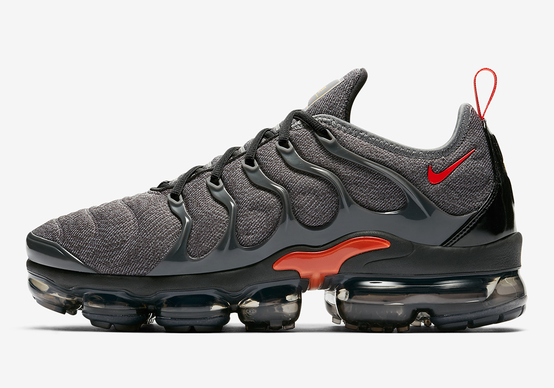 76539cf42e35 Nike Air Vapormax Plus arrives in Cool Grey and Team Orange