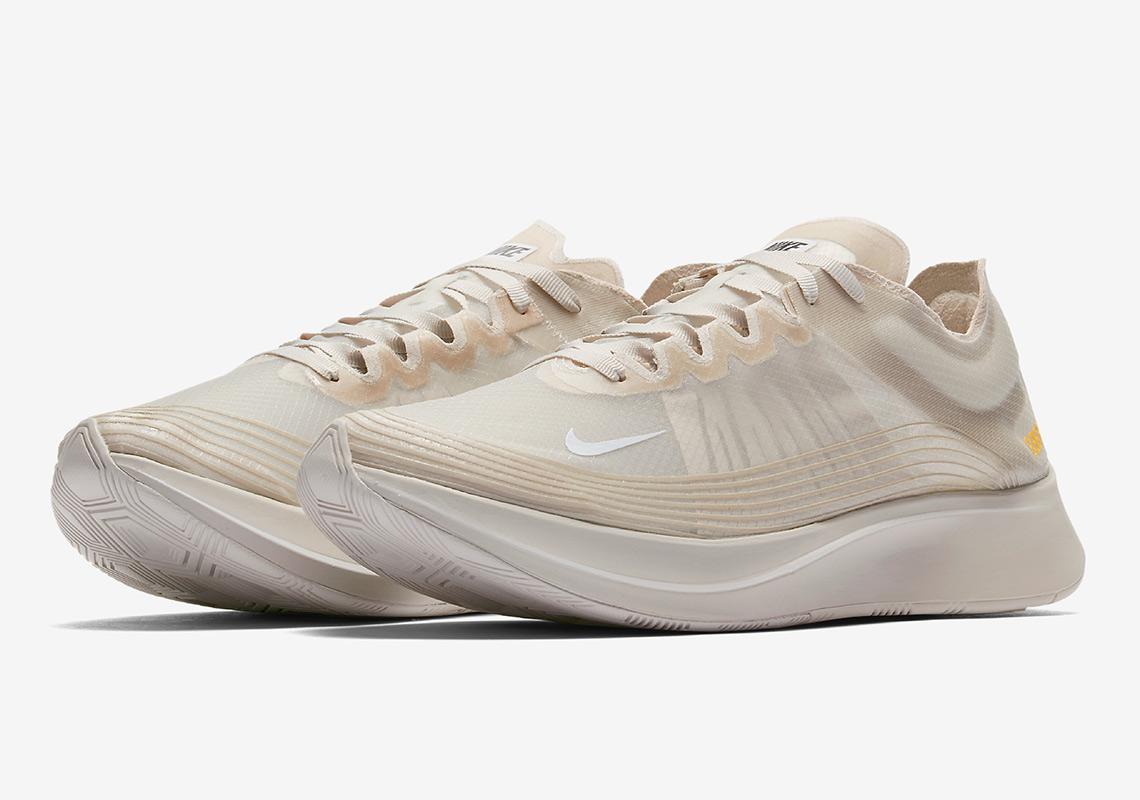 Intacto meditación Asumir  Nike Zoom Fly SP Light Bone AJ9282-002 Available Now | SneakerNews.com