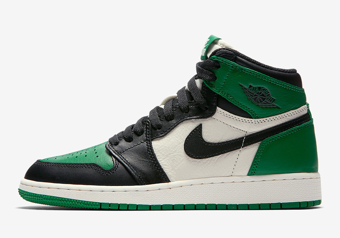 """560717a2cd6268 Expect White Tongues On The Air Jordan 1 """"Court Purple"""" And """"Pine ..."""