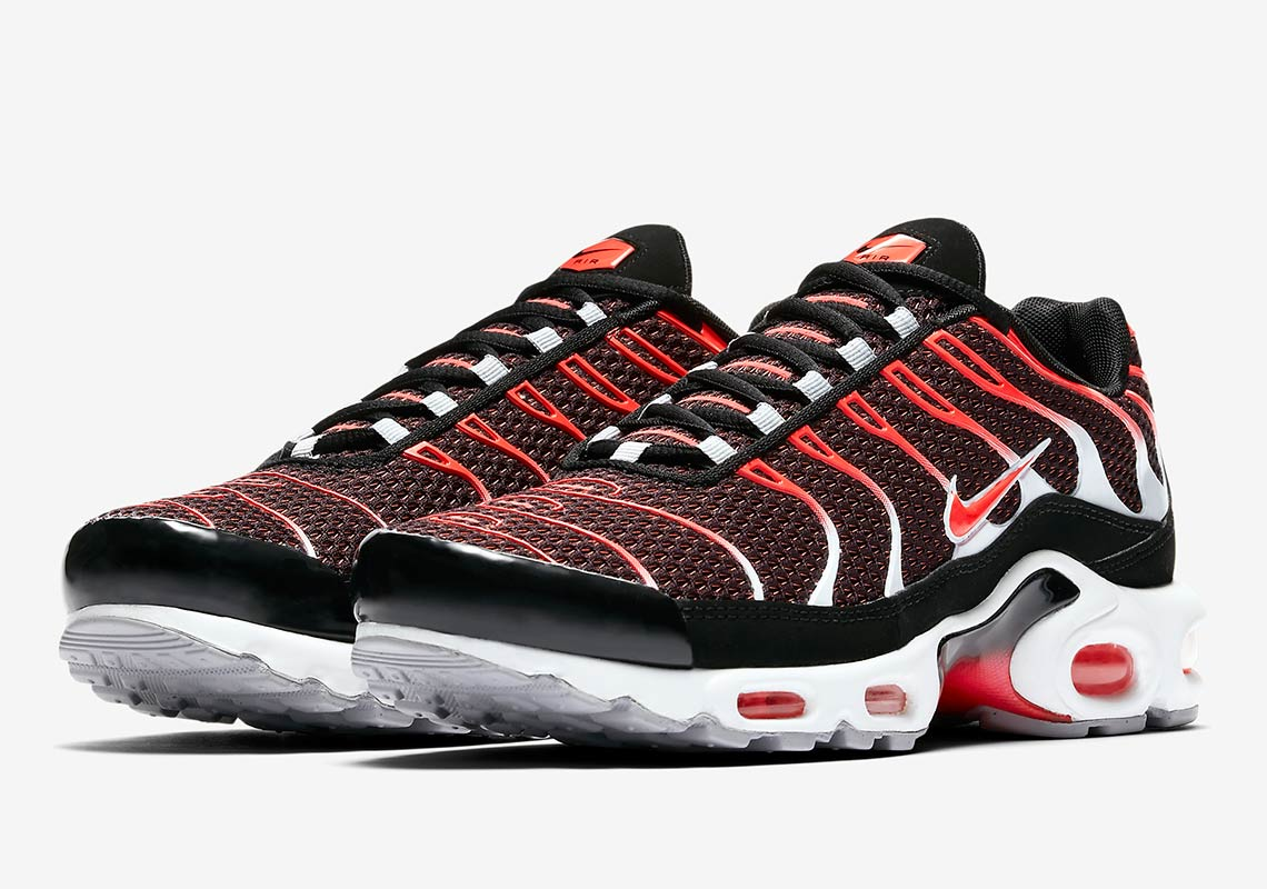 100% authentic 9dfdb 8c3f2 Foot Locker Available