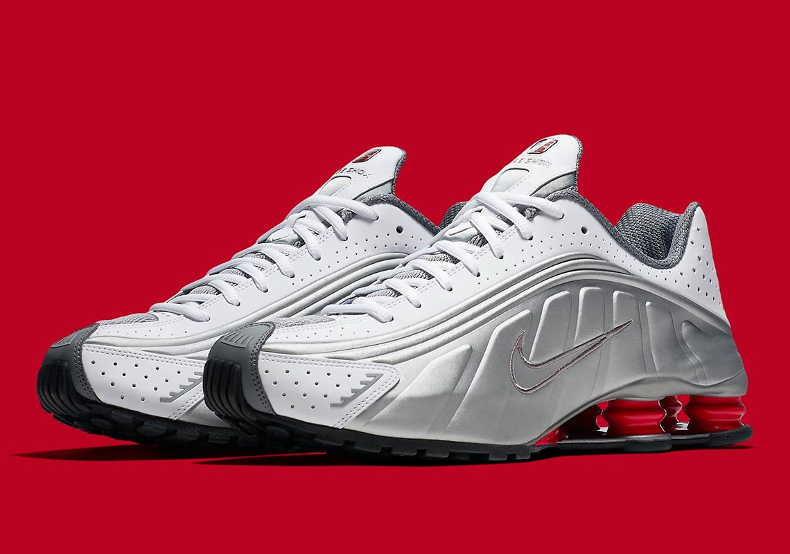 finest selection b6ad7 2cb81 The Original Nike Shox R4 Is Coming Back