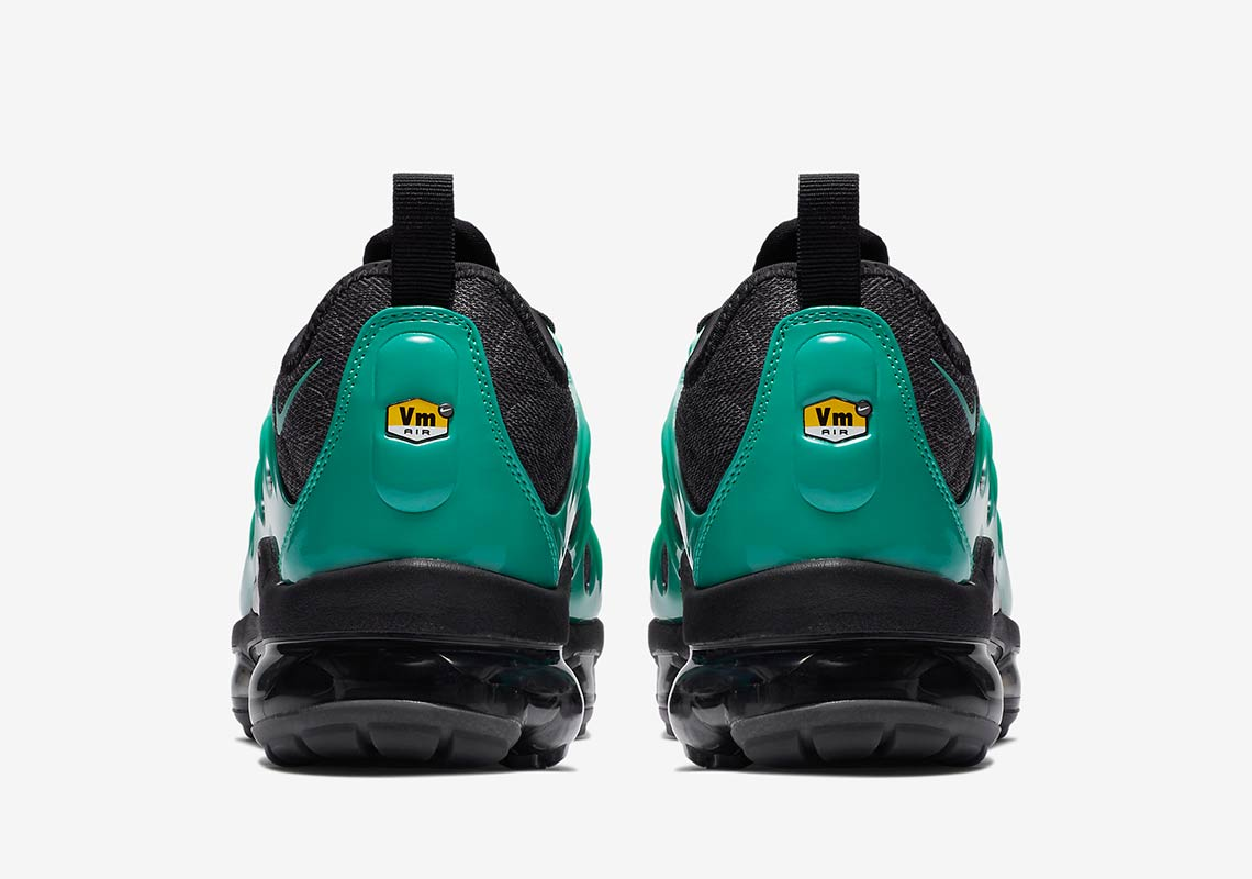 finest selection 953c2 de3f8 Nike Vapormax Plus Eagles 924453-013 Release Info ...