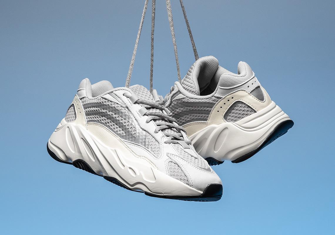 7a6ac4b87ad55 adidas Yeezy Boost 700 v2 Static EF2829