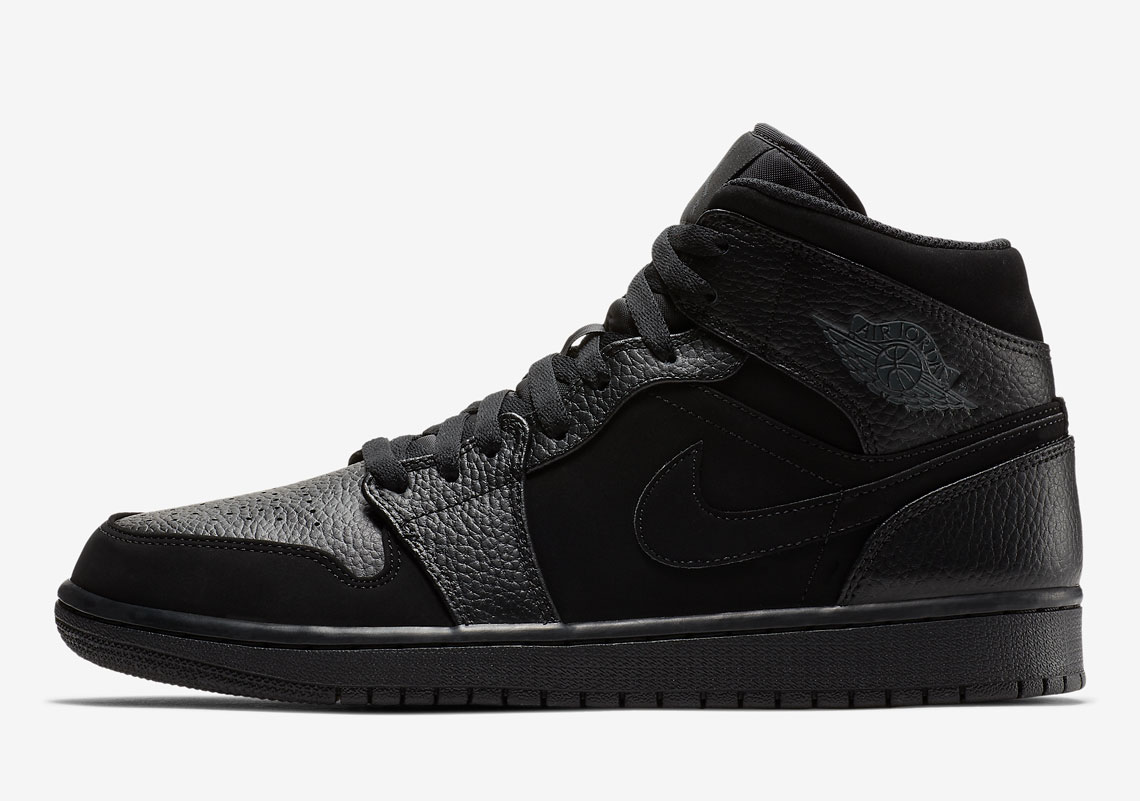 finest selection 254a4 28cbe The Air Jordan 1 Mid Is Available In Triple Black