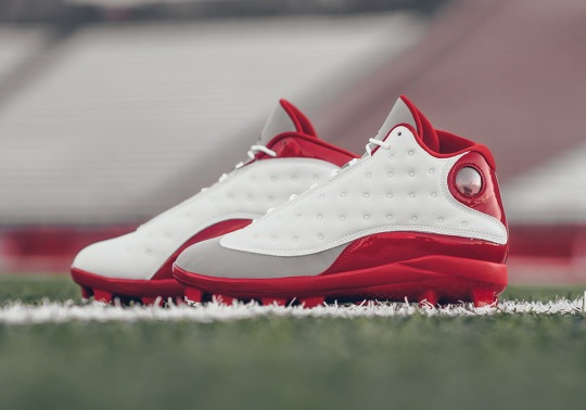 "The Air Jordan 13 ""Grey Toe"" Returns In Cleat Form"