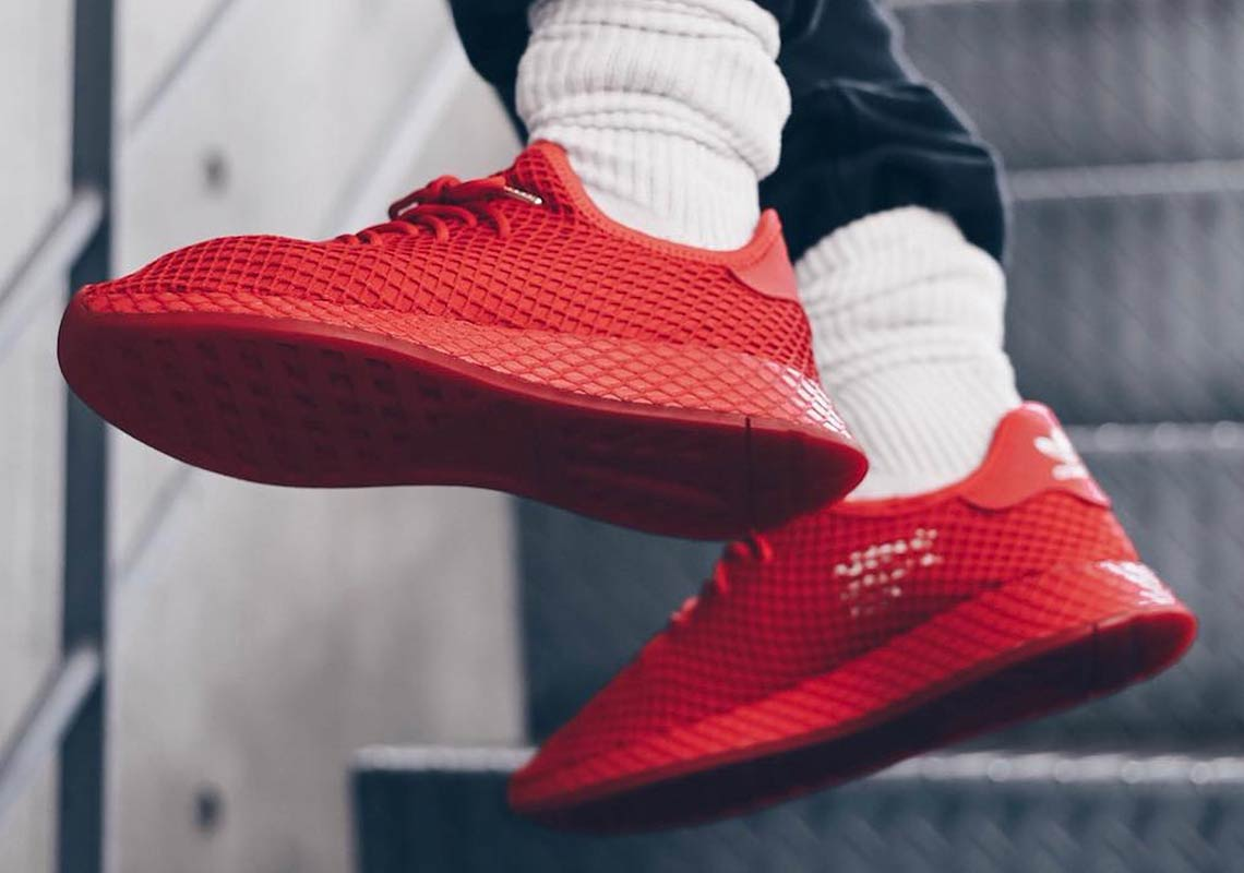 43c59230bfe8 atmos adidas Deerupt G27330 Red Release Date
