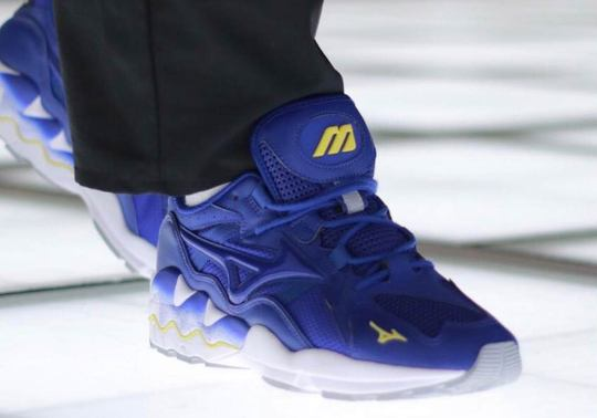 Mizuno Adds to Their Wave Rider 1 Silhouette with Two New Colorways