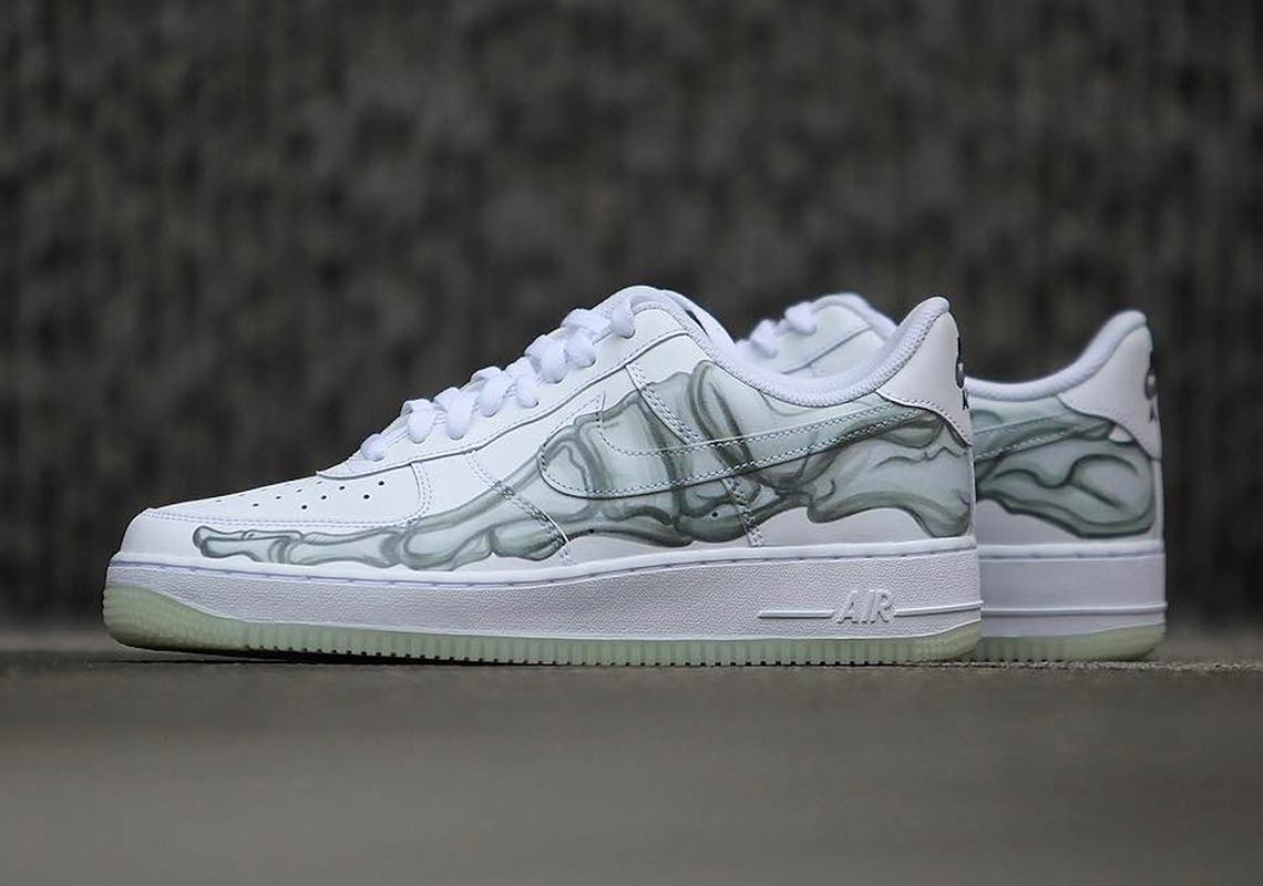 Nike Air Force 1 Low '07 QS Skeleton on feet (2018) | Nike