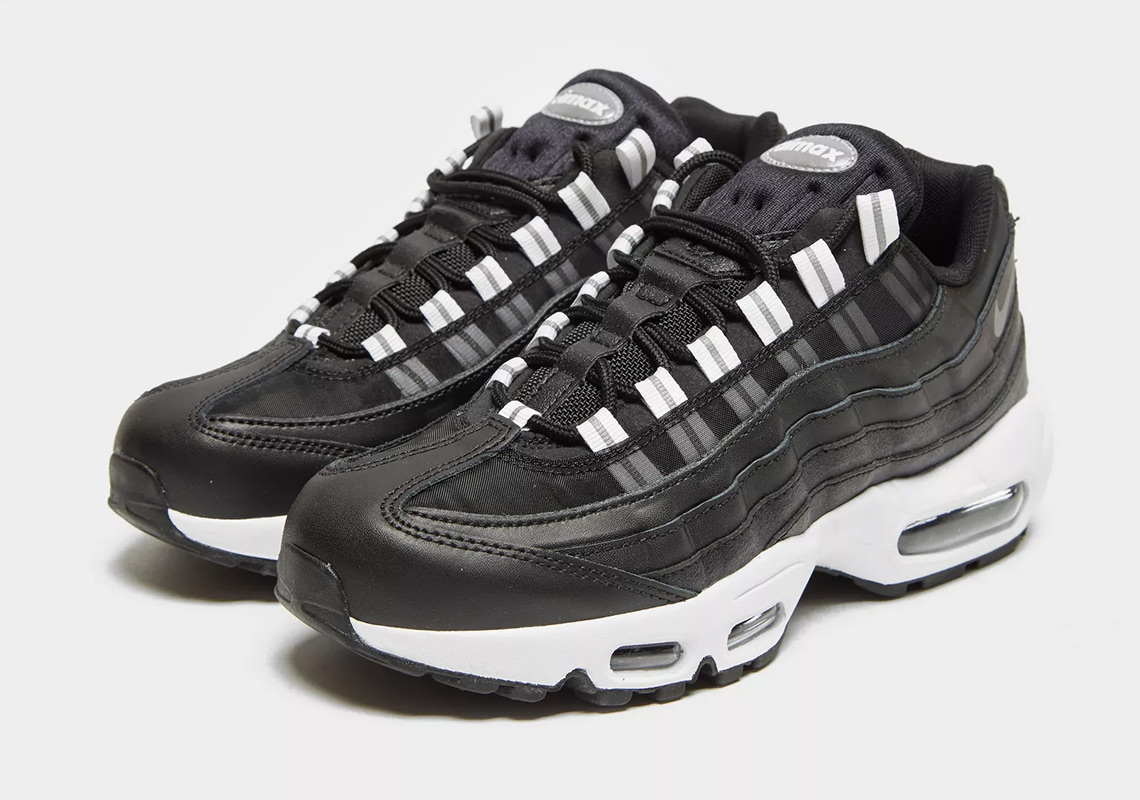bbc349780f6 Match Your Halloween Costume With This Nike Air Max 95 For Women