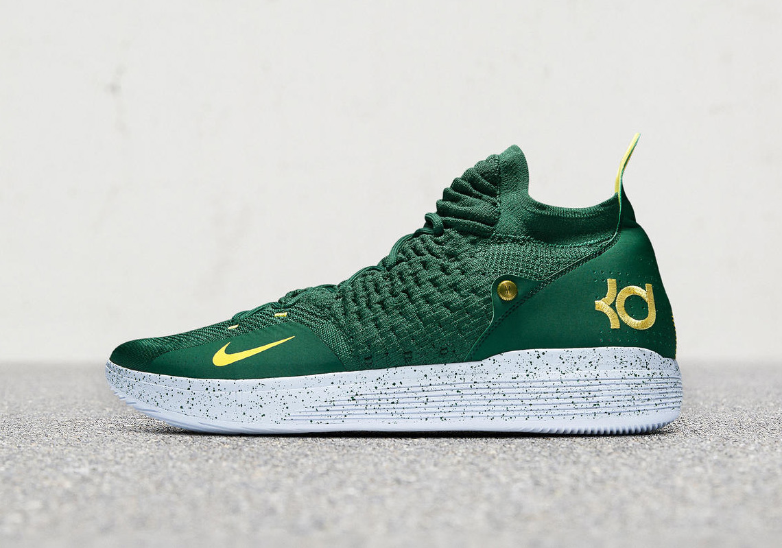 55a8a64af70a ... and for this special occasion Nike whipped up some Sonics-themed PEs of  the KD 11 for Easy Money to slip on. You can catch them in action tonight.