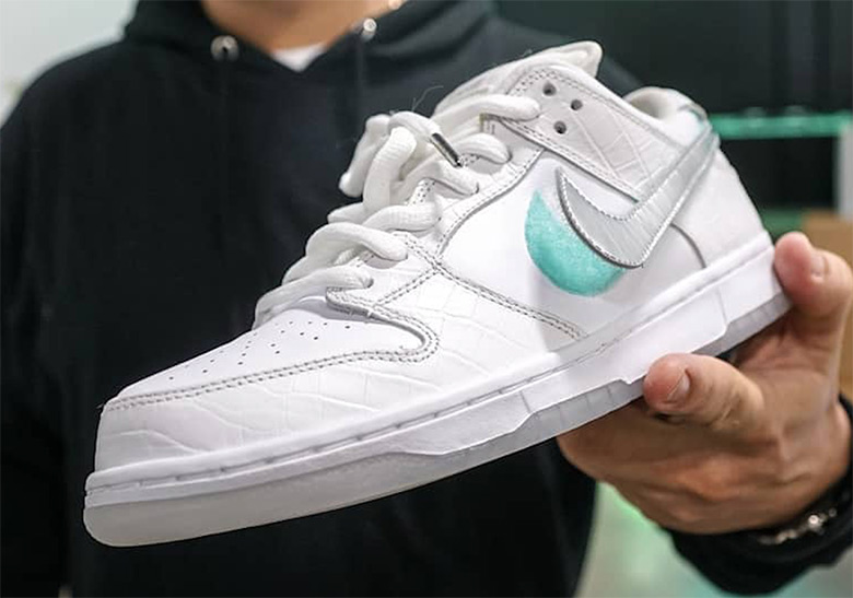Nike Diamond SB Dunk White Tiffany Shoe