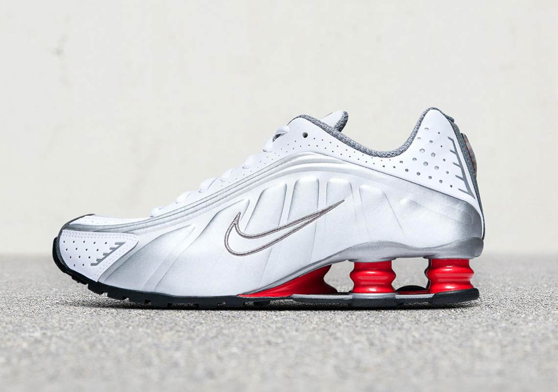 big sale 4dce1 f637a Where To Buy The Nike Shox R4 OG