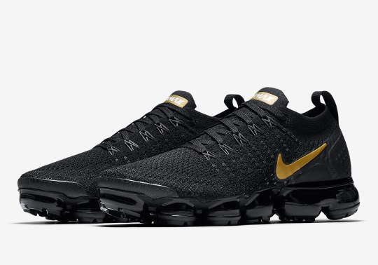 "Nike Sportswear's ""Metallic Gold"" Pack Continues With Another Vapormax Flyknit 2"