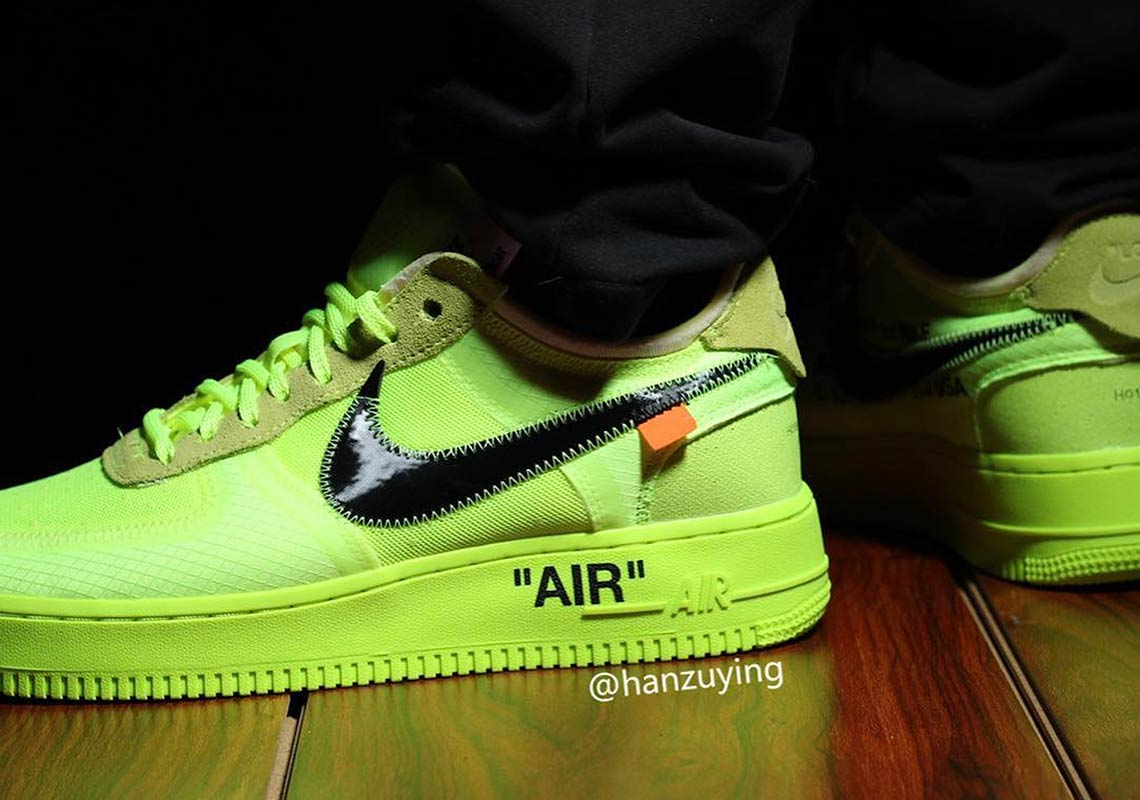 Anoi Escalofriante enviar  Off-White Nike Air Force 1 Volt Photos | SneakerNews.com