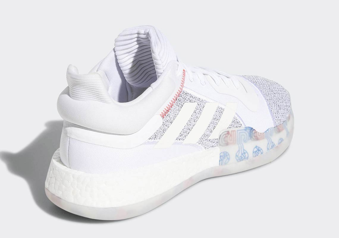classic fit f5596 d3e9b adidas Marquee Boost Low