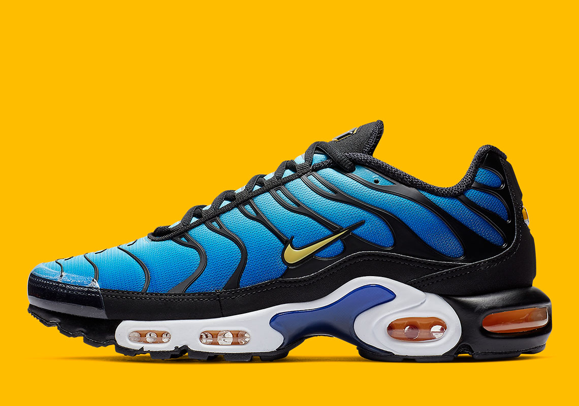 Nike Air Max Plus Hyper Blue BQ4629-003 Where To Buy | SneakerNews.com