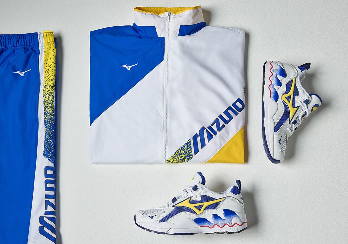 Mizuno Wave Rider 1 OG Blue   Yellow Release Info  eca13167aee8f