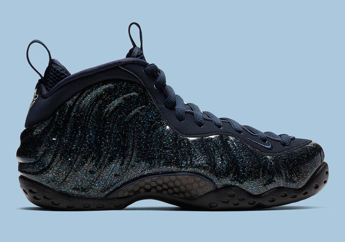 the latest ecbe9 edd05 Nike Foamposite One Obsidian Glitter AA3963-400   SneakerNews.com