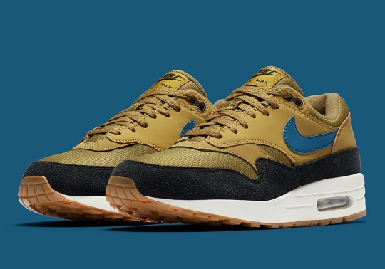 Suede Comes To The Mudguard Of This Nike Air Max 1