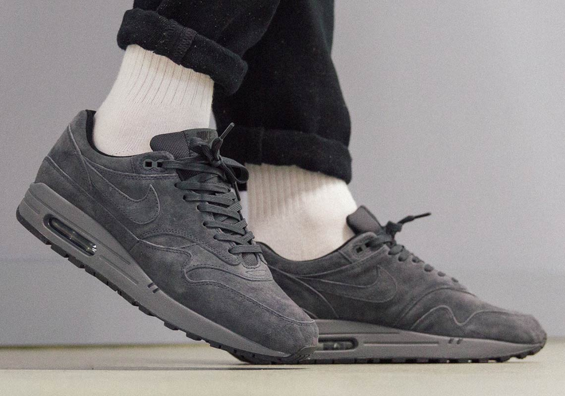Nike Air Max 1 Anthracite 875844 010 Buying Guide