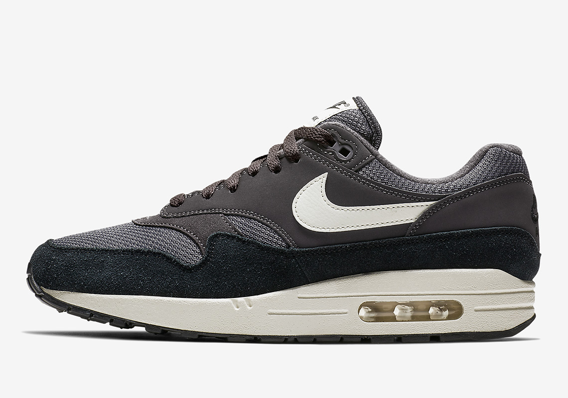 cheap for discount 07cb6 222a6 Nike Air Max 1 AH8145-012 Release Info   SneakerNews.com