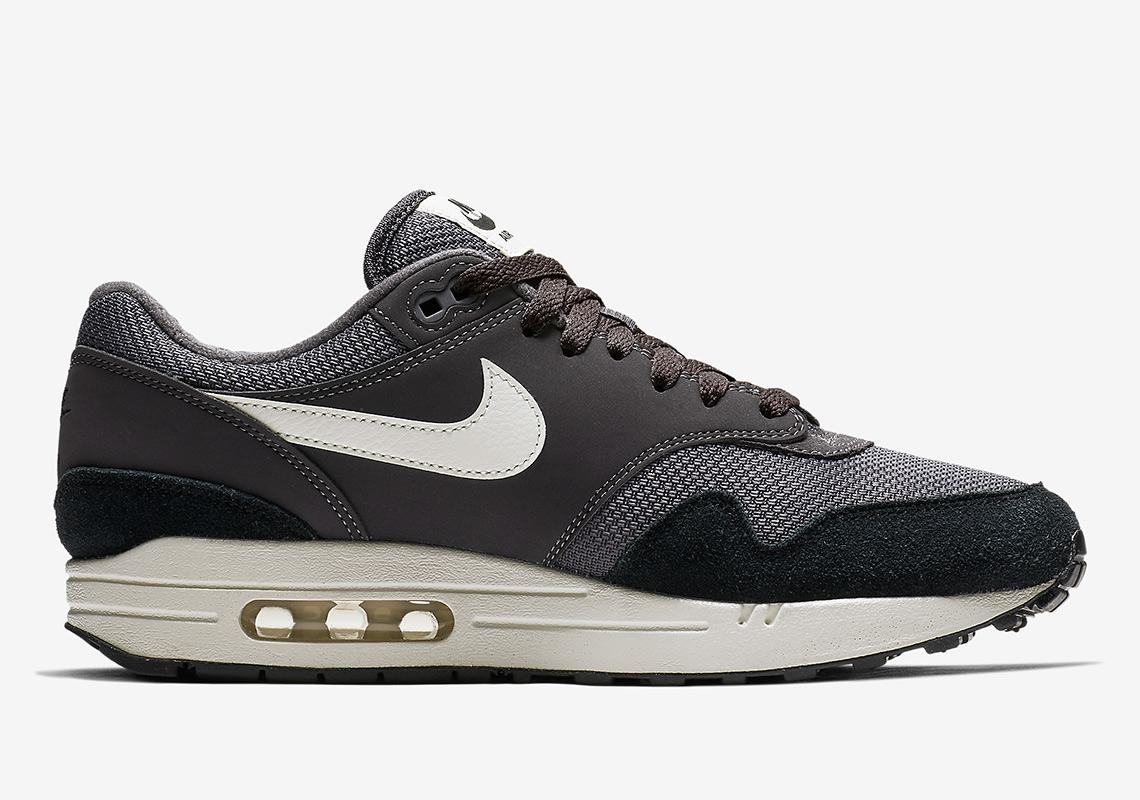 cheap for discount 754a2 57c83 Nike Air Max 1 AH8145-012 Release Info   SneakerNews.com