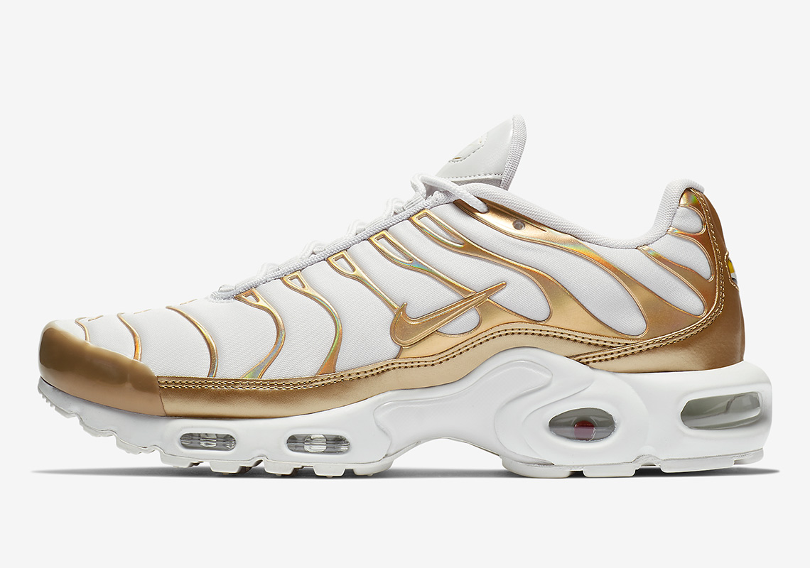 57affe9057 ... best price nike air max plus color vast grey metallic gold white 43921  a1b00