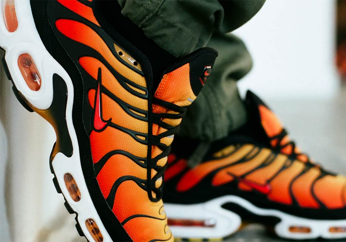 online store decbc 9028f Nike Air Max Plus Sunset Release Date + Store Links   SneakerNews.com