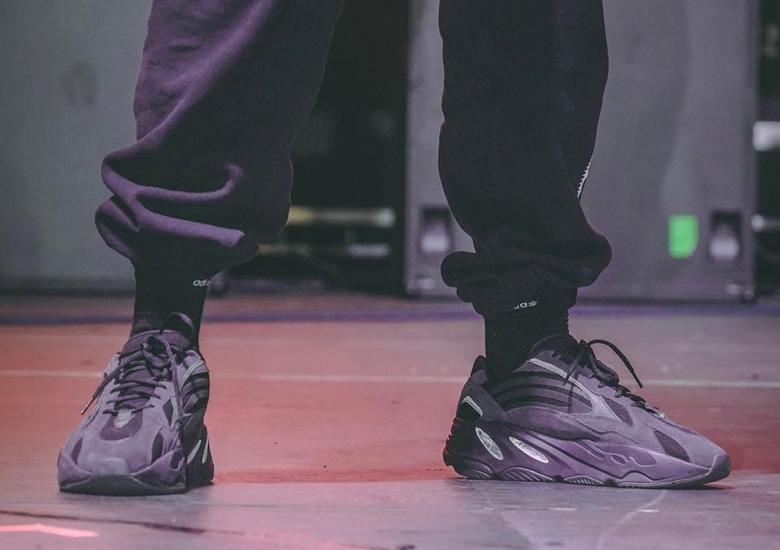 wholesale dealer 57e85 42212 adidas Yeezy Boost 700 v2 Triple Black | SneakerNews.com