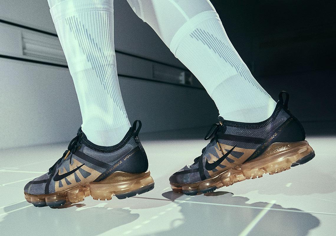 Dolor Compulsión Persona a cargo  Nike Vapormax 2019 Metallic Gold Release Date | SneakerNews.com