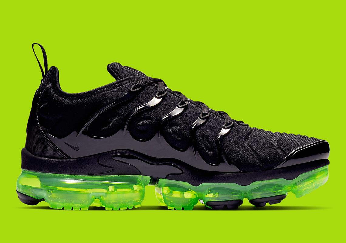 Nike Vapormax Plus 924453-015 Release Info  49c4e5237