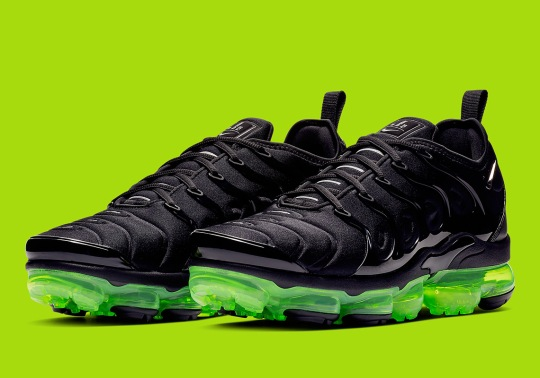 The Nike Vapormax Plus Arrives In A Sleek Black And Volt