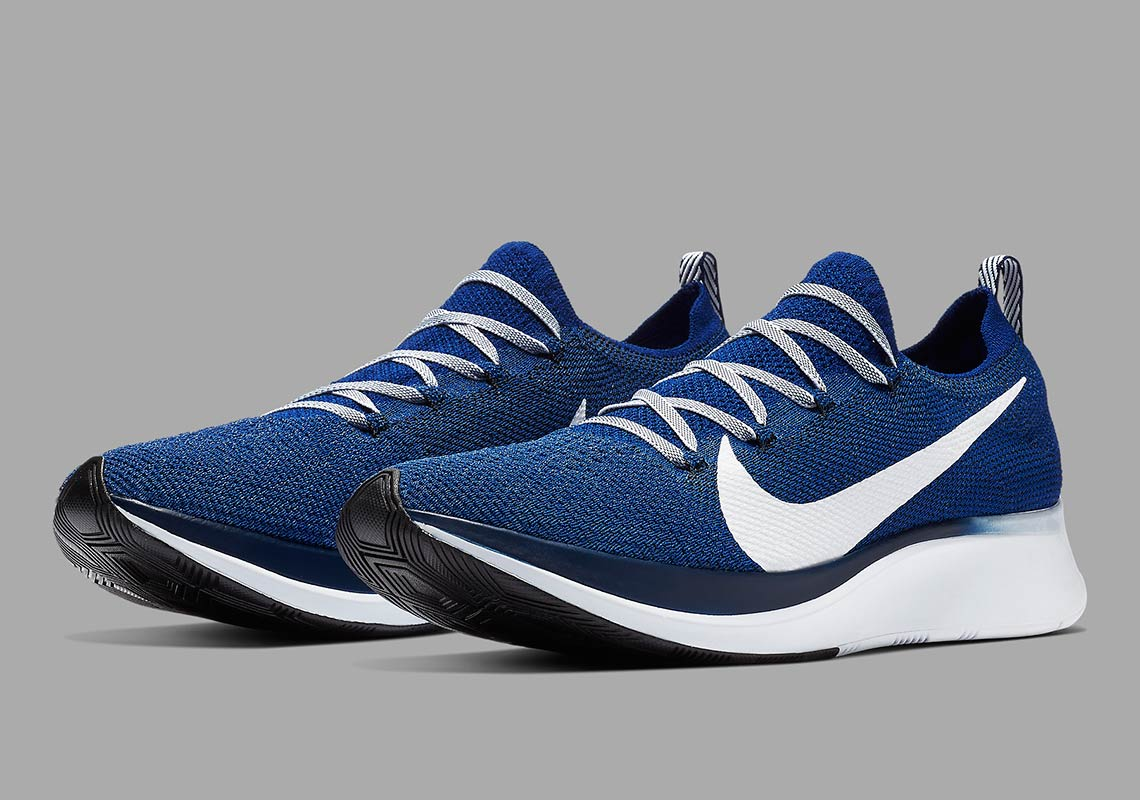 407df4221d776 Reach Your Running Goals With The Nike Zoom Fly Flyknit in Blue