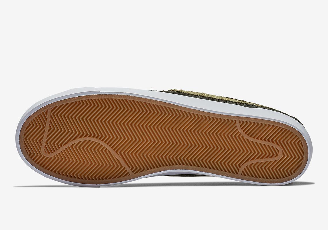 c02e8cbc66cd Nike SNKRS 10am ET. Advertisement. Advertisement