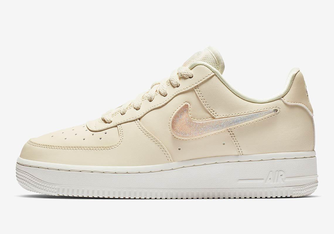 Nike Air Force 1 Womens Jelly Swoosh
