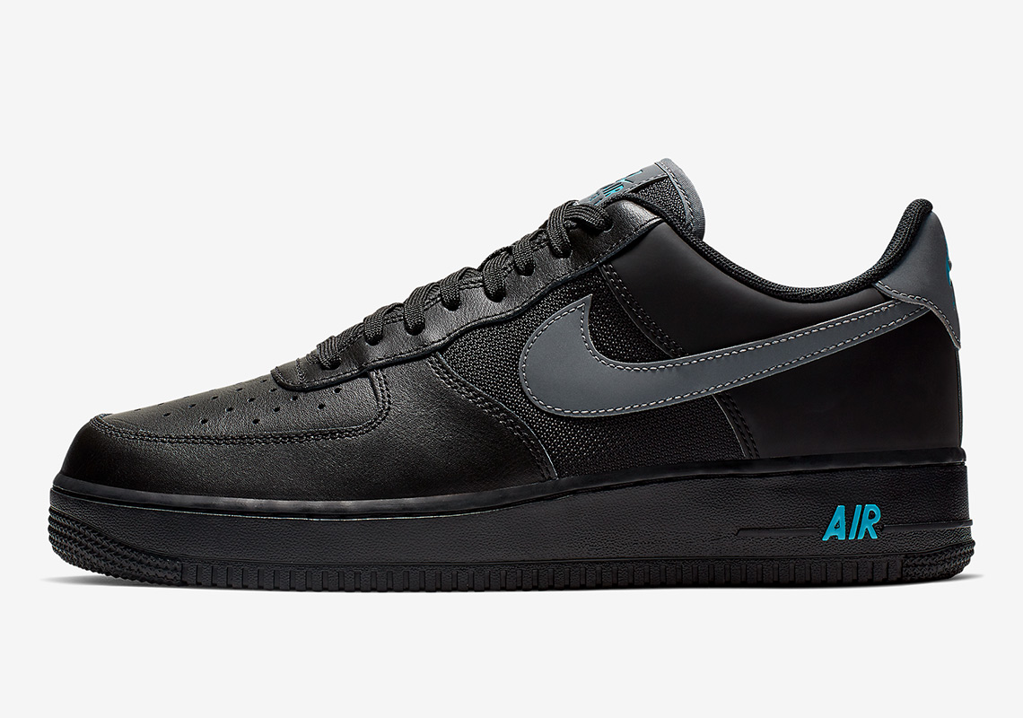 buy online dc5e7 54c3f Nike Adds Light Blue Touches To A Black Air Force 1