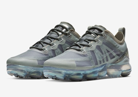 """Nike's New Vapormax 2019 Premium Arrives In """"Mineral Spruce"""" For Women"""