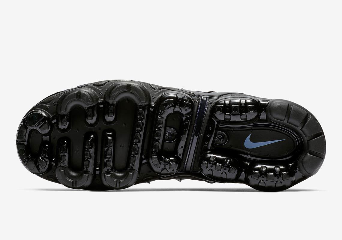 b0ad3a27dc Nike Vapormax Plus Aluminum 924453-018 Info | SneakerNews.com