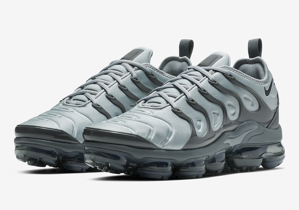 "d1d3b94512968 Nike Vapormax Plus ""Wolf Grey"" Drops On February 1st"