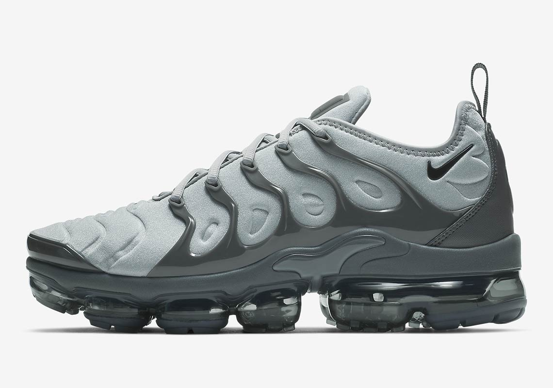 timeless design 8a4ce 88f4b Nike Vapormax Plus Wolf Grey Release Date | SneakerNews.com