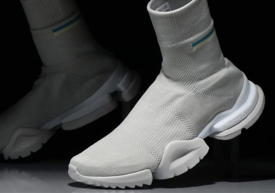 The Reebok Sock Run.r Appears In New Light Grey Colorway