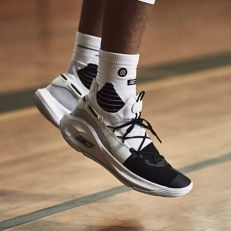 UA Curry 6 Working On Excellence