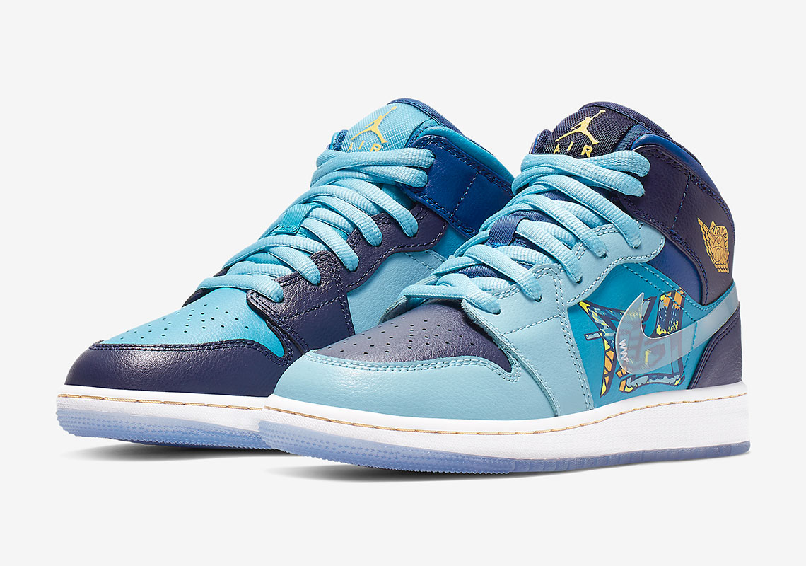 "a0276e75875c Detailed Look At The Air Jordan 1 Mid GS ""Fly"""