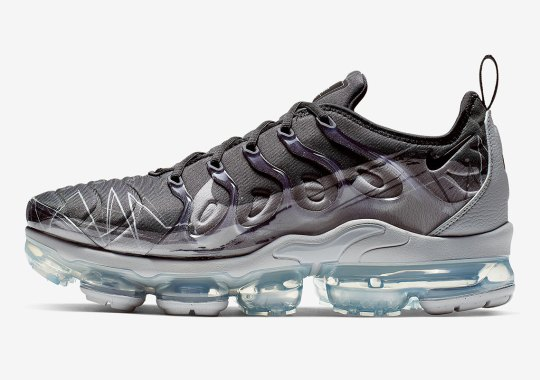 37bc22d78c591 Nike Adds An Oversized Swoosh To The Vapormax Plus